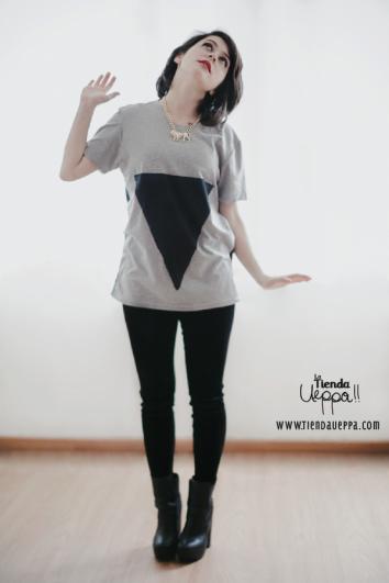 Camisetas únicas para hombres y mujeres de Pàlpito / Cómprala aquí: http://latiendaueppa.monomi.co/products/camisetas-palpito/